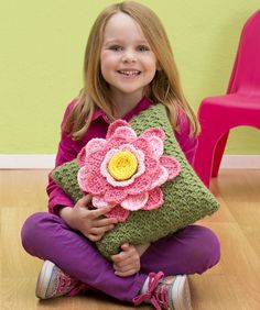Spring Fling Pillow - free crochet pattern