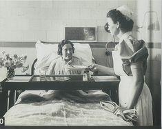 Slide 20   Serving patients meal   Peter Maleczek   Flickr Funny Nurse Quotes, Nurse Humor, School Pictures, Funny Pictures, Nursing Memes, Funny Nursing, Nursing Quotes, Nurse Photos, Nursing Pictures