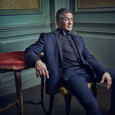 The one, the only @officialslystallone gives photographer @markseliger a sly look in the #VFOscarParty portrait studio. Click the link in our bio to see more.