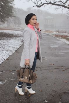 To see more photos and to know what am I wearing, visit my fashion blog!