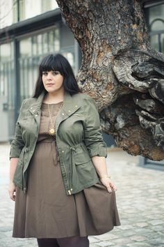 [international curves] Stéphanie Zwicky is a tres chic French curvy, her blog « Le blog mode de Stéphanie Zwicky