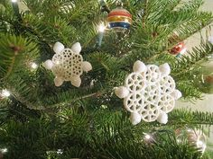 PASTA Snowflakes by mollymoo.ie - Christmas Crafts for Kids