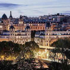 Have a good night Paris! 🌛 Beautiful picture @dzzdzz012 #Paris #Parisjetaime #nightinParis #Passy #Paris16 #beautiful #beautifulview #visitParis #France #visitFrance