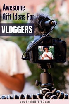 Here's what you'll find in this gift guide for vloggers: Where should I buy vlogging equipment | Vlogging camera ideas | Video microphones for vloggers | Ring lights for vlogging | Online How to Vlog courses Vlogging Equipment, Blogging Camera, Take Video, Photography Gear, Travel Videos, Camera Accessories, Photo Tips, Taking Pictures, Trip Planning
