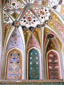 Inspiration for paints palette - Amber Palace, Rajasthan, India Indian Architecture, Beautiful Architecture, Beautiful Buildings, Ancient Architecture, Goa India, Design Floral, Motif Floral, Jaipur, Beautiful World