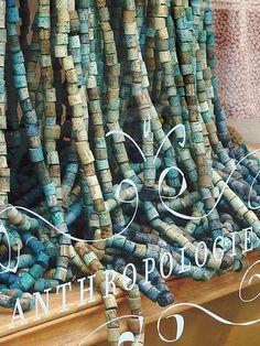 Wine Craft, Wine Cork Crafts, Anthropologie Display, Store Window Displays, Retail Displays, Wine Bottle Corks, Cork Art, Beaded Curtains, Visual Display