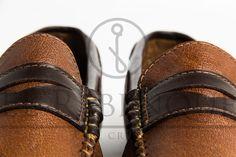 Mocasines Cheyene de cuero de búfalo Wordpress, Bracelets, Leather, Jewelry, Fashion, Loafers, Boots, Charm Bracelets, Moda