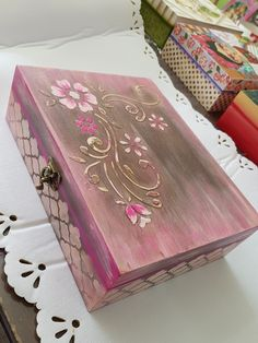 Cajas Maria bonita 7221644067, Toluca Mex. Painted Wooden Boxes, Funky Painted Furniture, Wooden Art, Wooden Crafts, New Crafts, Diy And Crafts, Arts And Crafts, Decoupage Glass, Decoupage Paper