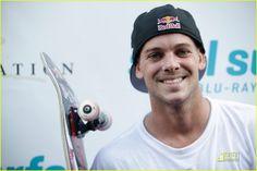 Ryan Allen Sheckler, né le 30 décembre 1989 à San Clemente en Californie, est un skateboarder professionnel (pro-skateur).