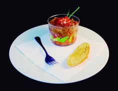 13. Tartarran. Aguacate, tomate, atún, mostaza, pimienta negra, salsa de soja, vinagre y granada  Lizarrán Plaza Congreso Eucarístico, 1 965421614 #Elche #Elx #tapas #AETE #visitelche