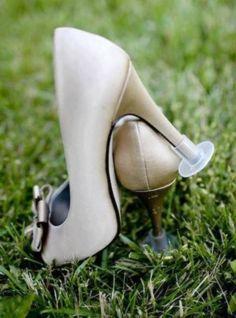 GREAT IDEA FOR SHOES!!!! 52 Great Outdoor Summer Wedding Ideas | HappyWedd.com
