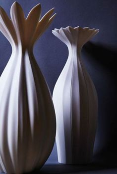 Seiko Wakasugi's two vases, to 15 in. (37 cm) in height, porcelain.