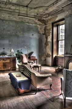 Doctors apartment at Trans Allegheny Lunatic Asslyum , weston, wv Cafe Interior, Interior And Exterior, Interior Design, Bg Design, House Design, Abandoned Houses, Abandoned Places, Beautiful Space, Interior Architecture