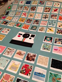 Polaroid Quilt top- would be a cute I SPY quilt! Quilting Projects, Quilting Designs, Sewing Projects, Quilting Ideas, Quilting 101, Quilt Design, Sewing Ideas, I Spy Quilt, Quilt Baby