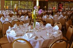 Brown and White wedding table ideas from Painted Hills Golf Club