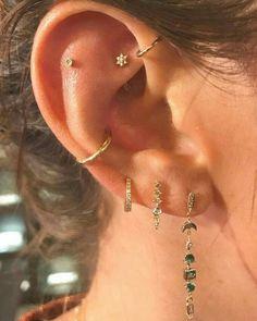 Pretty Ear Piercings, Ear Peircings, Jewelry Tattoo, Nose Jewelry, Bijoux Piercing Septum, Faux Rook Piercing, Accesorios Casual, Jewelry Accessories, Pinterest 19