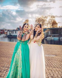 65) Smile out at the mehendi portrits!