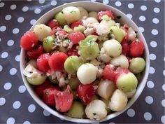 Grillsalat med melon Fruit Salad, Mozzarella, Food, Basil, Fruit Salads, Eten, Meals, Diet