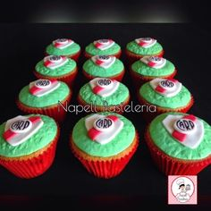 Benja Cupcakes, Candy, Desserts, Food, Tortilla Pie, Candy Stations, Meals, Sport Cakes, Sweet