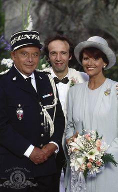 Roberto Benigni, Claudia Cardinale and Herbert Lom in Il figlio della pantera rosa (1993)© 1993 Metro-Goldwyn-Mayer Studios Inc.