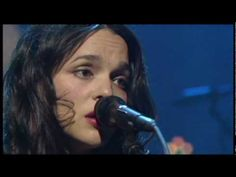 Norah Jones - Come Away With Me Live (High Quality) - YouTube