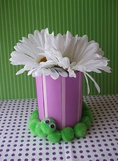 Alice in Wonderland Birthday Party / Caterpillar Vase. Also link to her creative party favors