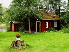 Finland in Spring is short but with clear weather and sunshine during the daytime, it's a great time to visit. Here are 11 things to do in Finland in Spring Fishing Uk, Sport Fishing, Cottage In The Woods, Cabins In The Woods, Fishing Holidays, Building A Cabin, Lakeside Cabin, Granny Flat, Famous Architects