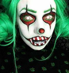 Holiday Makeup Looks, Christmas Makeup, Color Contacts For Halloween, Halloween Face Makeup, Clown Makeup Tutorial, Halloween Looks, Halloween Clown, Halloween 2019, Halloween Ideas