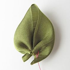 How To Make a Prairie Point Leaf | Everything Silk by Silkribbon.com