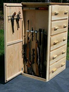 Cool idea for secret compartment…. maybe for jewelry storage? Cool idea for secret compartment…. maybe for jewelry storage? Hidden Gun Safe, Hidden Gun Storage, Weapon Storage, Secret Storage, Nerf Gun Storage, Hidden Jewelry Storage, Hidden Gun Cabinets, Storage Cabinets, Hidden Cabinet