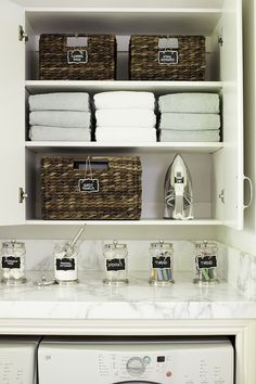 Nice 50 Farmhouse Laundry Room Organization Decor Ideas https://rusticroom.co/2783/50-farmhouse-laundry-room-organization-decor-ideas