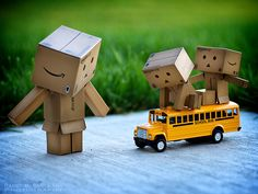 Danbo cardboard box toy robot, 75 cute and amazing funny danbo photos, the photographers has taken some beautiful danbo and lively shots of this little cute cardboard creature Danbo, Miss Piggy, Robot Picture, Cardboard Robot, Box Robot, Sweet Hug, Amazon Box, Japanese Robot, Picture Writing Prompts