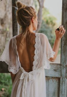 hippie wedding 423338433721560418 - immacle novia robe de mariee 4 Source by weddingsecret_ Rembo Styling, Latest Fashion For Women, Wedding Gowns, Lace Wedding, Rustic Wedding, Boho Wedding Dress Backless, Party Wedding, Summer Wedding, Wedding Ceremony