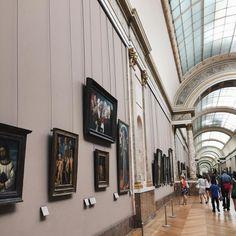 Musée du Louvre . . .