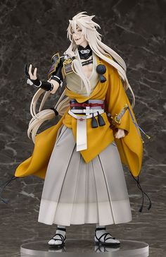 Kogitsunemaru, the great sword whose name means 'small fox' from the popular browser game 'Touken Ranbu -ONLINE-', now is as Scale PVC Figure. Touken Ranbu, Vocaloid, Great Sword, Anime Toys, Anime Figurines, Mode Shop, Anime Merchandise, Bishounen, Cosplay