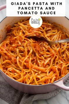Giada's Pasta with Pancetta and Tomato Sauce - İnteresting Dishes Giada Recipes, Gourmet Recipes, Pasta Recipes, Dinner Recipes, Cooking Recipes, Delicious Recipes, Italian Dishes, Italian Recipes, Italian Meals