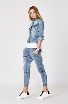 D: Luxe by Decjuba. Shop the Sienna Denim Jacket & Fleur Drop Crotch Jeans. Chic Outfits, Fashion Outfits, Womens Fashion, Drop Crotch Jeans, Sparkle Outfit, Look Jean, Black And White Blouse, Double Denim, Pants For Women
