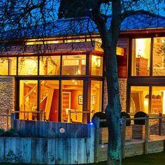Современный английский дом с использованием технологии Hempcrete Wood Frame House, Hart House, Self Build Houses, Planning Permission, Diy Home Improvement, House In The Woods, State Art, Packaging Design, Sustainability