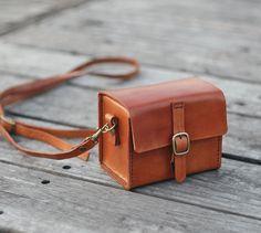 Klassische Hand genäht Tan Karamell Leder-Kameratasche