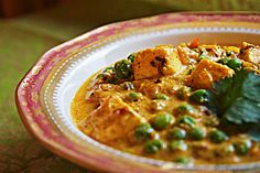 Matar paneer is a savory curry with peas and Indian cheese. The version is easy to make and can be on the table by the time the basmati cooks. Indian Food Recipes, Asian Recipes, Vegetarian Recipes, Cooking Recipes, Healthy Recipes, Ethnic Recipes, Bento Recipes, Gujarati Recipes, Asian Foods