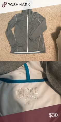 BKE Sport zip-up Men's size XL BKE Sport Extreme Hoodie Zip-Up ***like new*** the fit is a little more fitted to the body for less bulk and getting in the way! BKE Sweaters Zip Up