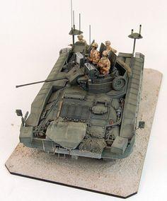 FV510 Warrior Infantry Fighting Vehicle 1/35 Scale Model