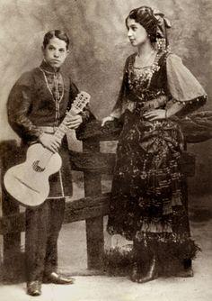 Romanian+Gypsies   Russian Gypsies' choir, stage costume