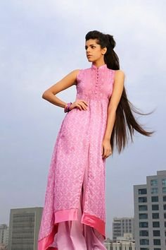 tall pakistani models