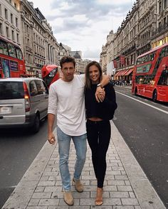 Showing @zackkalter around London before we hop on the next plane