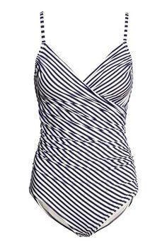 TORINO STYLE: Costumi per donne tutte d'un pezzo  HM