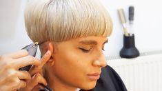 Bob Haircut For Fine Hair, Short Haircut, Mushroom Haircut, Bobs Blondes, Hair Cutting Videos, Clipper Cut, Half Shaved Hair, Pageboy, Wedge Hairstyles