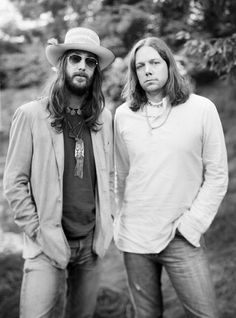 The Black Crowes - Saw them in mid 90's at Radio City Music Hall. Opening act was Oasis. I was there more for Oasis but the audience was definitely more familiar with the Black Crowes' music.
