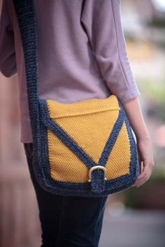 This crochet bag is perfect for an afternoon of shopping. Swing Satchel - Crochet Me