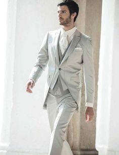 Da Protagonisti, Atelier a Roma, puoi trovare abiti da sposo di grande charme e raffinatezza!